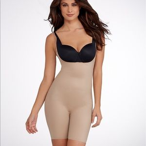 SPANX Reversible Bodysuit (New with Tags) Size S